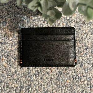 ⭐️Host Pick⭐️ Lodis wallet